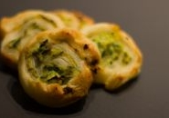 Girelle di pasta sfoglia alle zucchine