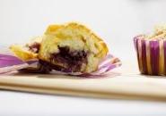 Muffin al cioccolato bianco e confettura di fragole