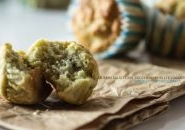 Muffin salati con zucchine, piselli e gamberi