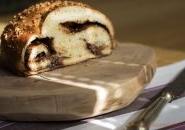 Pan brioche al miele con cuore morbido di crema di cacao alla nocciola