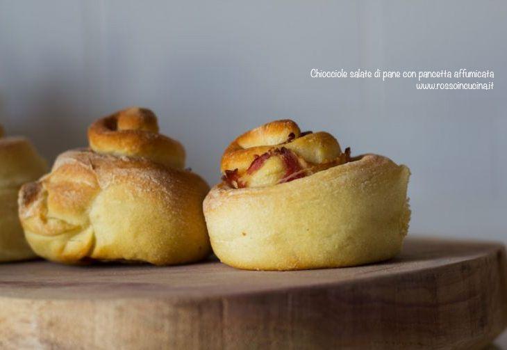 Chiocciole salate di pane con pancetta affumicata