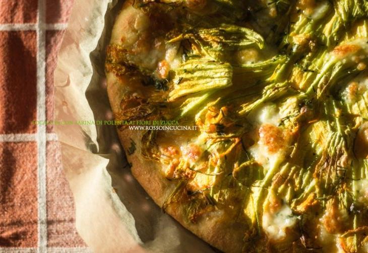 Focaccia con farina di polenta ai fiori di zucca