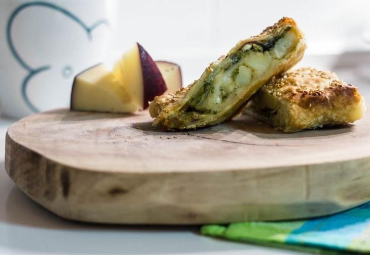 Strudel con patate broccoletti e caciocavallo