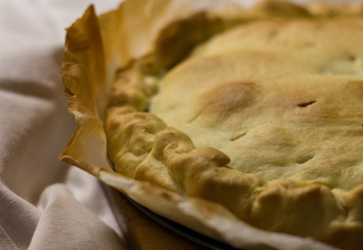 Torta pasqualina tradizionale con la bieta